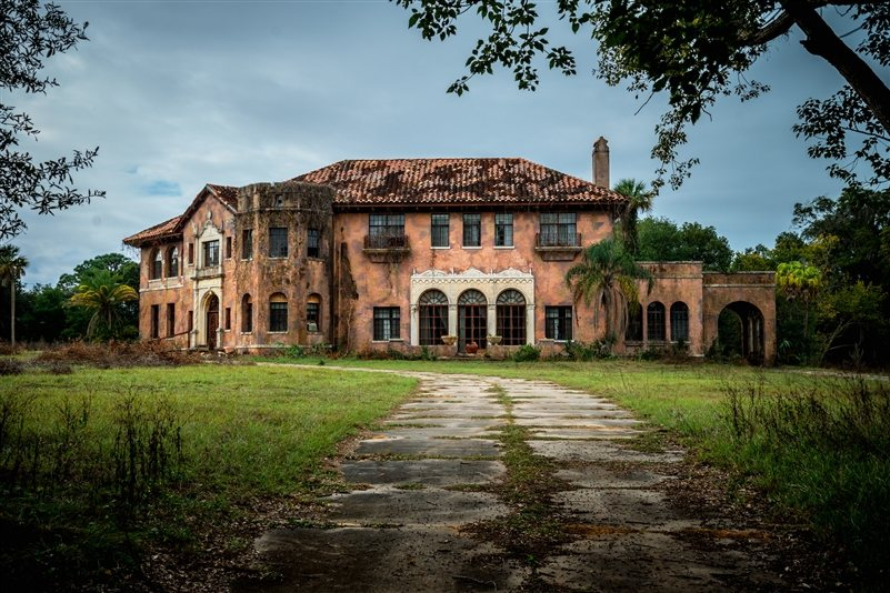 Historic Haunted Mansion For Sale Just North Of Orlando In Howey The Hills