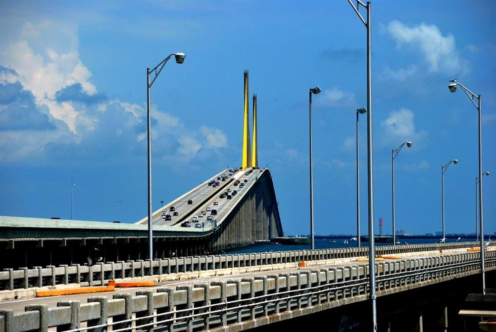 Sunshine skyway bridge terra ceia florida real haunted for Sunshine construction